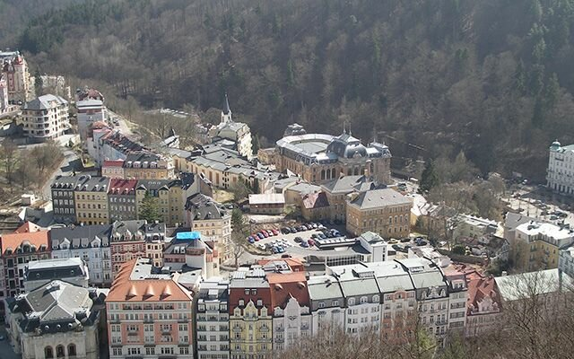 Вид с высоты на Карловы Вары