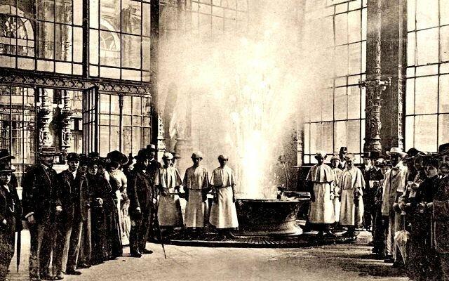 Источник в Карловых Варах, историческое фото
